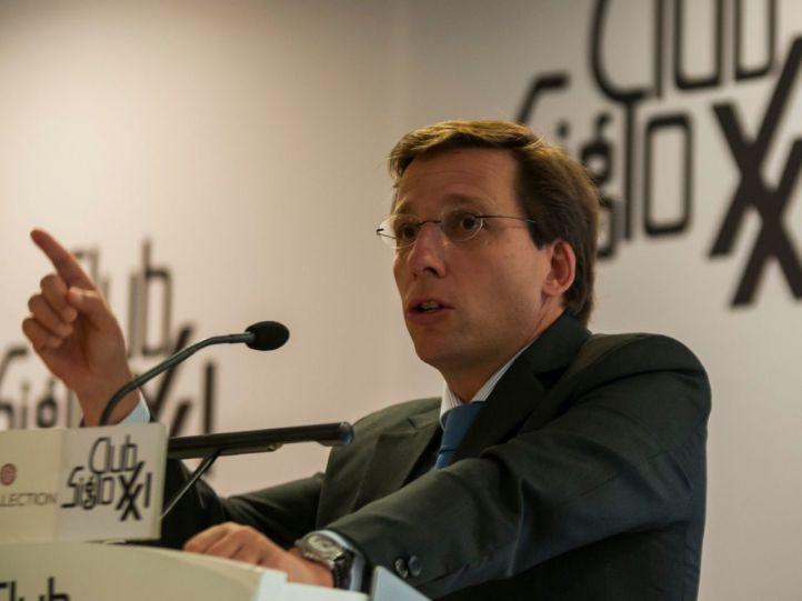 Almeida rebajará de 90 a 50 euros las multas de las zonas SER y APR