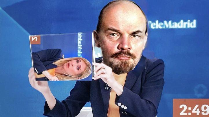 Uno de los memes del momento de Silvia Saavedra al enseñar el cartel de Lenin.
