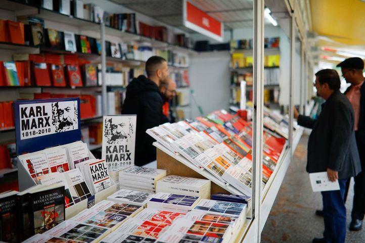 La Feria del libro seguirá 'otros 52 años' en el Retiro