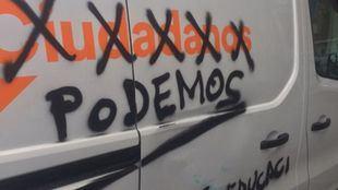 Una furgoneta de Ciudadanos amanece con pintadas