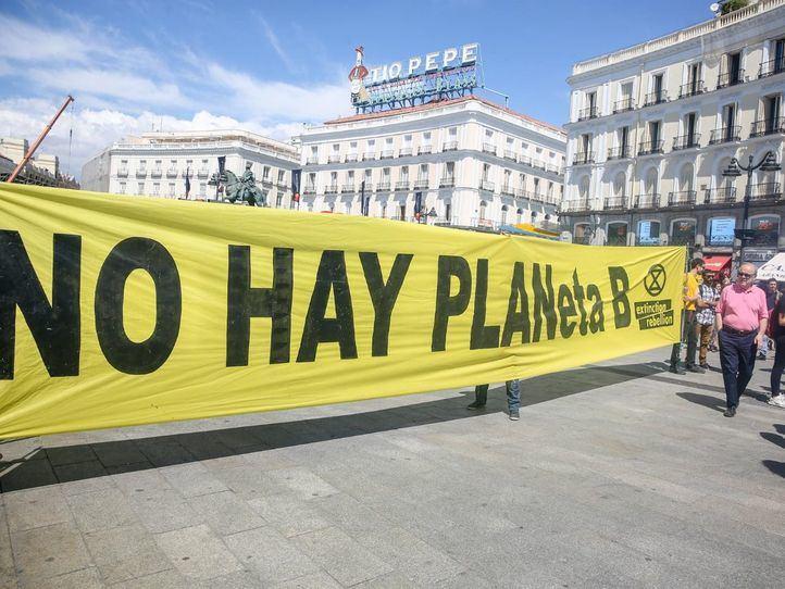 Una de las pancartas principales, donde se lee el mensaje 'No hay planeta B'