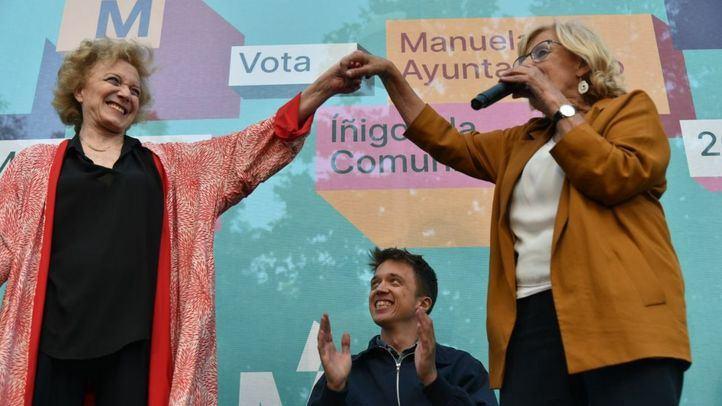 Marisa Paredes, Íñigo Errejón y Manuela Carmena, en el cierre de campaña de las elecciones municipales y autonómicas del 26-M.