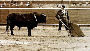 Curro Romero sale triunfante de Las Ventas para resarcirse del indulto que le llevó al calabozo