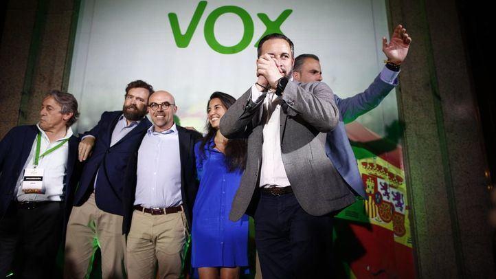 Santiago Abascal, líder de Vox, junto a Javier Ortega Smith, Rocio Monasterio, Jorge Buxadé y Espinosa de los Monteros celebran los resultados de las elecciones municipales, autonómicas y europeas
