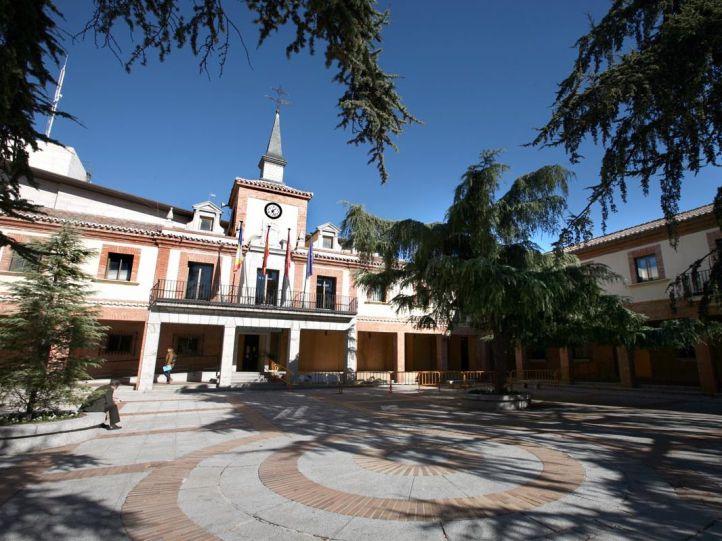 La Policía registra instalaciones del Ayuntamiento de Las Rozas