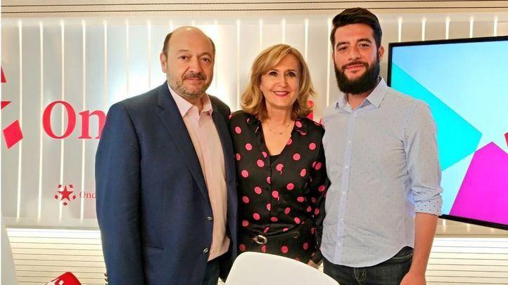 César Zafra, número dos de Ciudadanos en la Asamblea de Madrid, junto a Nieves Herrero y Constantino Mediavilla