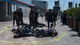 Desarma Madrid se encadena en Ifema contra la feria de armamento