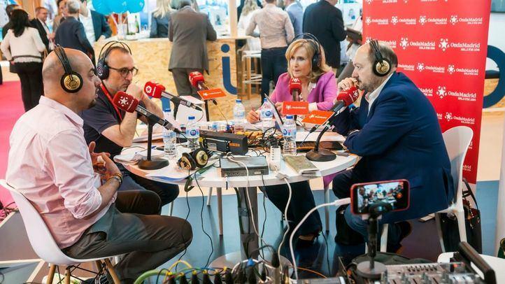Carlos Hidalgo y Ferrán Boiza junto a Nieves Herrero y Constantino Mediavilla en Onda Madrid