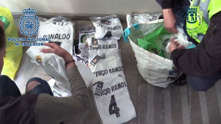 Seis detenidos y 2.000 camisetas falsificadas intervenidas