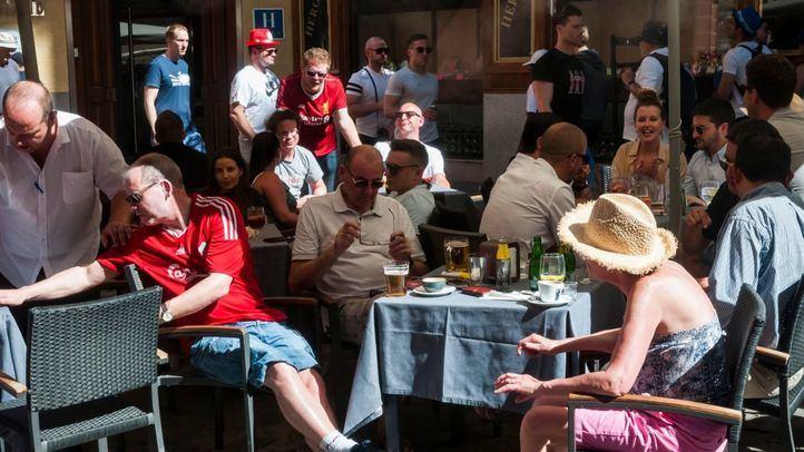 Hinchas ingleses en las calles de Madrid un día antes de la final de la Champions.