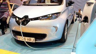 Un Renault Zoe, modelo 100% eléctrico, recargando sus baterías.