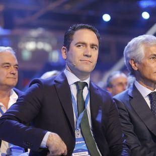 El PP inicia las conversaciones con Ciudadanos y Vox para concertar una reunión a tres