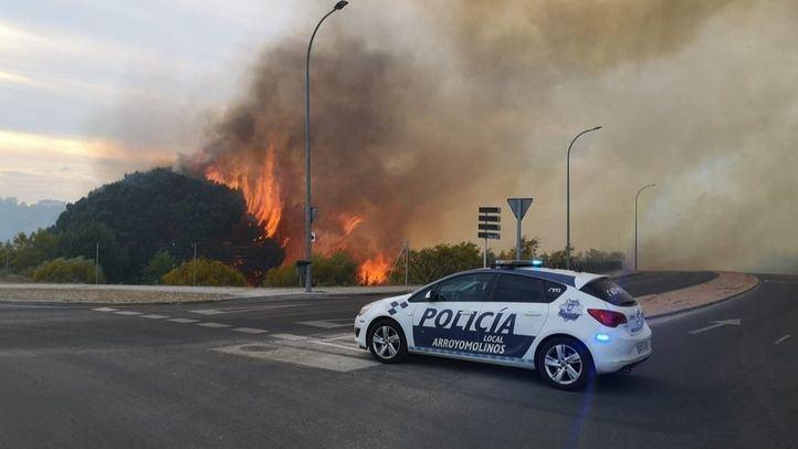 Un incendio calcina varias hectáreas de vegetación en Pinar de Arroyomolinos