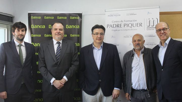 Bankia apoya con 50.000 euros dos programas educativos para familias vulnerables del Centro de Formación Padre Piquer
