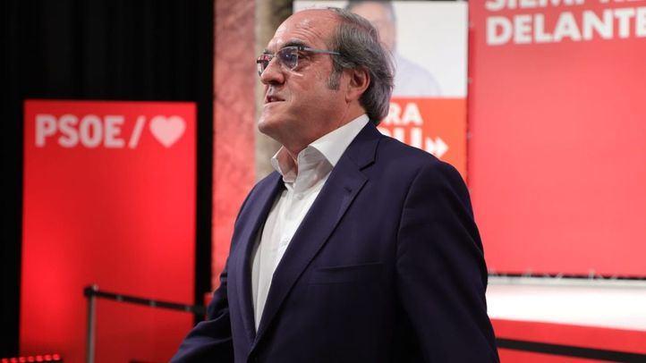 El candidato del PSOE a la Comunidad de Madrid, Ángel Gabilondo, se deja ver por el Círculo de Bellas Artes.