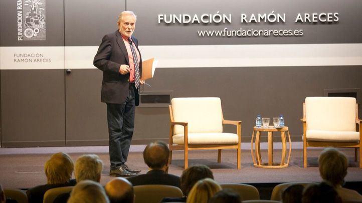 Jose M. Martínez-Duart en la conferencia sobre transición energética en la Fundación Ramón Areces