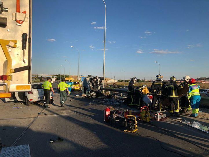 Un muerto y tres heridos en un accidente múltiple en la M-50