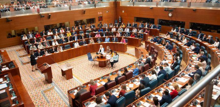 El triunvirato de derechas arrasa y rompe la representatividad de la Mesa de la Asamblea