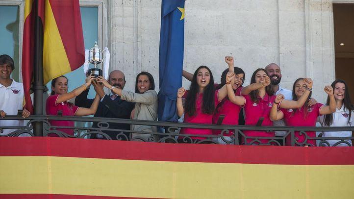 Homenaje al CD Tacón por su ascenso a Primera División