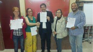 Foto del acuerdo entre PSOE y Unidas por Galapagar.