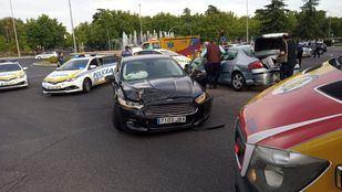 Aparatoso accidente frente al Cementerio de La Almudena
