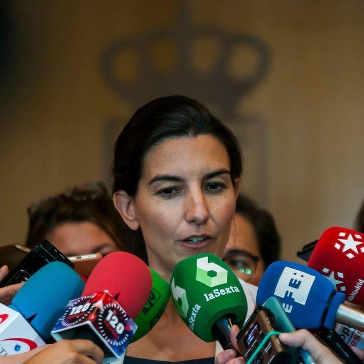 La líder de Vox en la Comunidad, Rocío Monasterio, atiende a los medios en la Asamblea de Madrid.