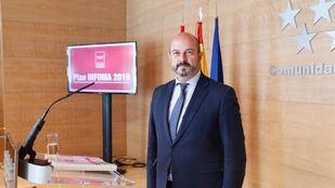 El presidente en funciones de la Comunidad de Madrid, Pedro Rollán, en la presentación del Plan Infoma tras la reunión del Consejo de Gobierno.