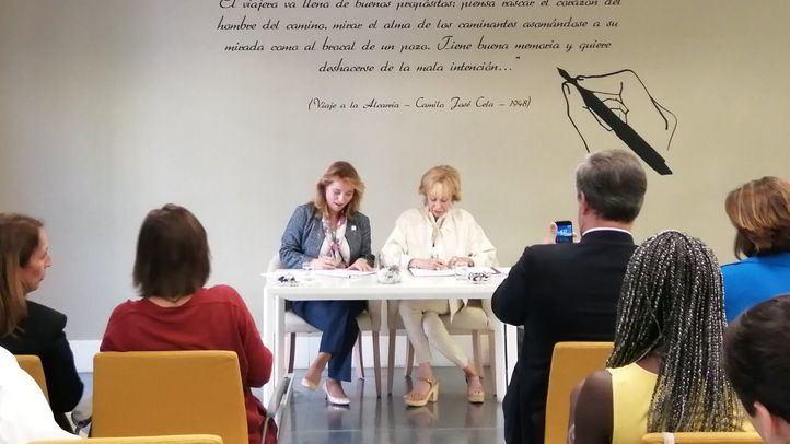 Acuerdo de colaboración de la Universidad Camilo José Cela con Mujeres por África