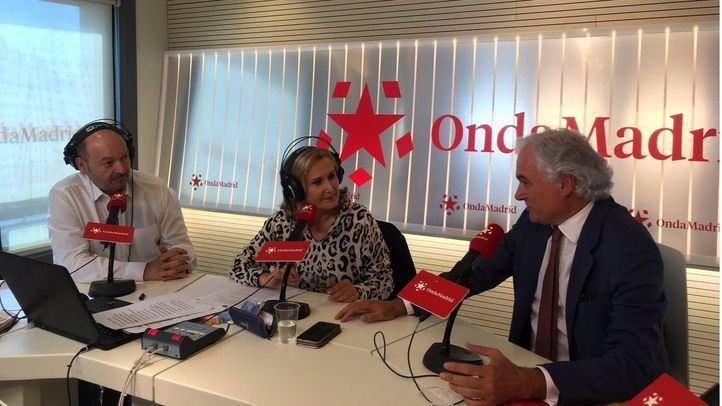 Miguel Garrido, presidente del CEIM, junto a Nieves Herrero y Constantino Mediavilla