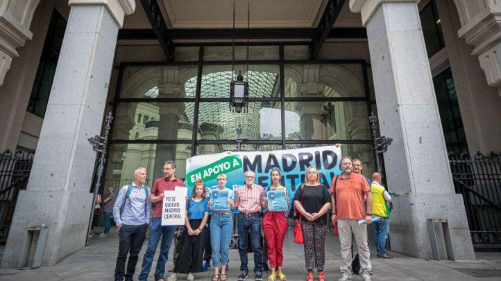 Una manifestación y acciones legales contra el Ayuntamiento: