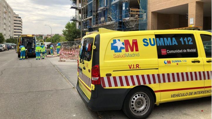 Fallece un obrero en Vallecas al precipitarse por el hueco del ascensor