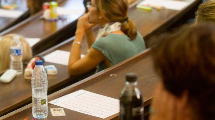 Un millar de opositores a maestro denuncia que el examen de inglés no se ajustaba al temario