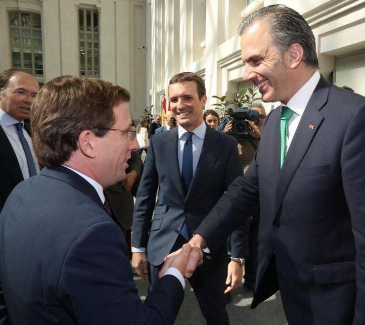 Las 'viceconcejalías', claves en el encallado pacto PP-Vox