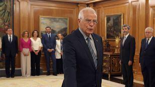 El ministro Borrell renuncia al acta de eurodiputado.