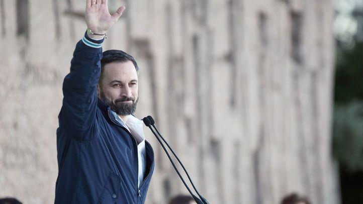 Un anuncio que ha capitaneado Santiago Abascal, rodeado de dirigentes como Javier Ortega Smith, pero también de los portavoces parlamentarios -Iván Espinosa de los Monteros y Macarena Olona.
