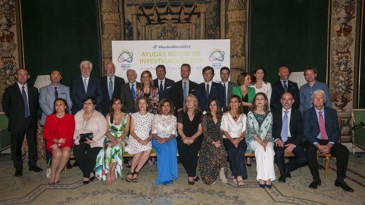 Foto de familia de los premiados en la 28 edición de las Ayudas Merck de investigación.