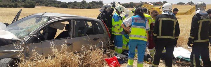 Herida grave al volcar su coche en Los Santos de la Humosa