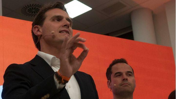 Rivera invita a los disidentes a crear un partido propio
