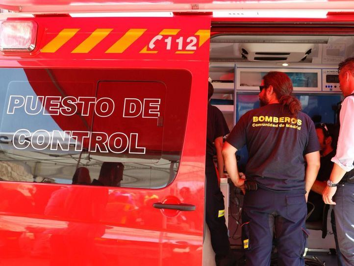 Más de 200 efectivos de la UME y Bomberos trabajan sin descanso para extinguir las llamas