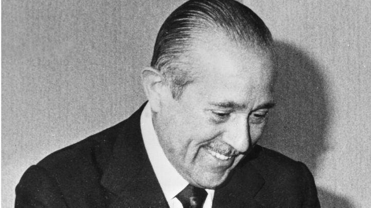 Carlos Arias Navarro abandona una convulsa Presidencia del Gobierno