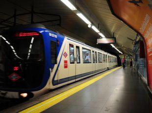 Detenido tras pasearse con dos cuchillos por la estación de Metro de Vista Alegre