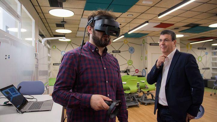 El espacio cuenta con soluciones de realidad virtual e impresión 3D, dispositivos conectados en entornos colaborativos y computación de alto rendimiento.