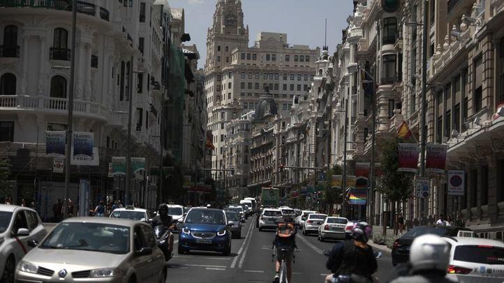 Tráfico en Gran Vía durante el primer día de moratoria de las multas de Madrid Central.