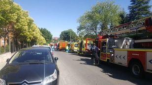 Dos dotaciones de bomberos se han desplazado hasta Rivas.
