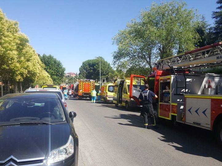 Intoxicadas diez personas por un incendio en una casa de Rivas