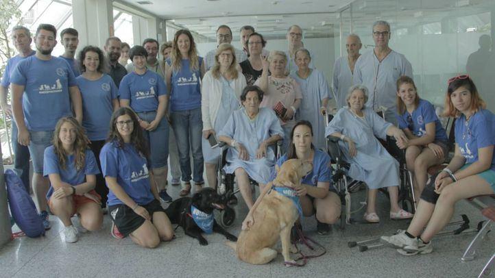 El Severo Ochoa ofrece acompañamiento con perros para sus pacientes