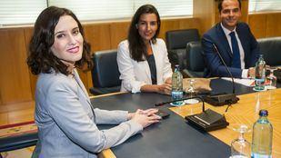 Isabel Díaz Ayuso, Rocío Monasterio e Ignacio Aguado se han sentado juntos por primera vez