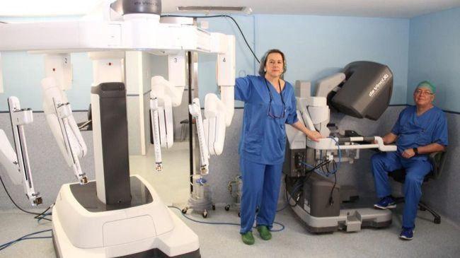 Otros seis hospitales públicos de Madrid contarán con robots de cirugía Da Vinci