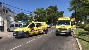 Un motorista de 26 años, herido grave tras chocar contra un coche