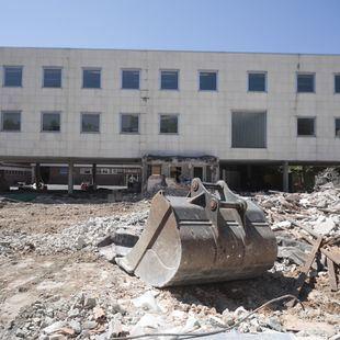 Derriban el antiguo Colegio Alemán de Concha Espina